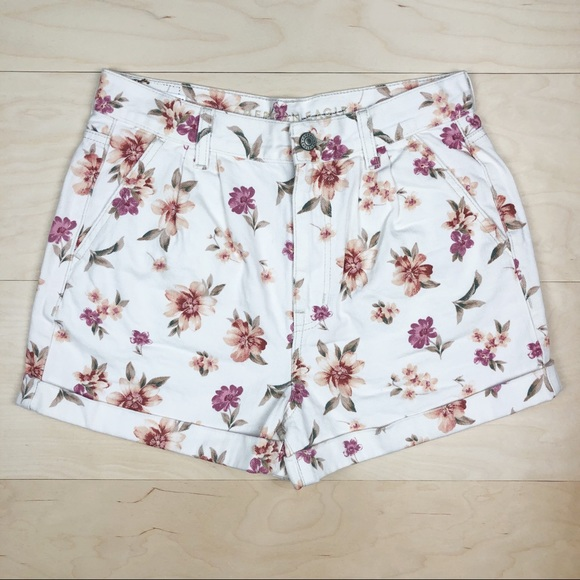 American Eagle Outfitters Pants - NEW American Eagle Mom Shorts White Floral